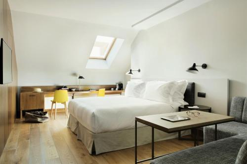 Superior Deluxe Double Room  TÓTEM Madrid, a Small Luxury Hotel of the World 1