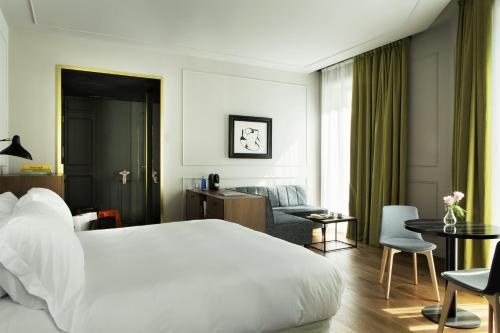 Junior Suite TÓTEM Madrid, a Small Luxury Hotel of the World 2