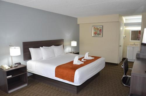Travelodge Inn And Suites Orlando Airport FL, 32809