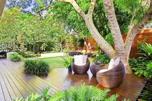bask in tranquility in this modern garden hideaway - Modern Garden