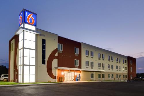 Motel 6 Poplar Bluff