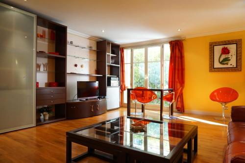 Отель Apartment Rue Lord Byron Jardin - Paris 8 0 звёзд Франция