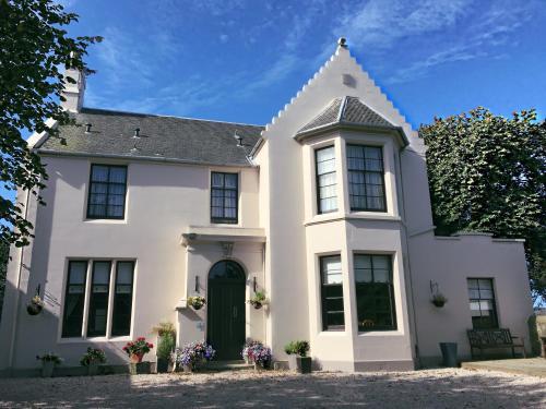 Laurelbank Guest House, Irvine