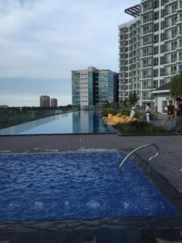 Отель One Bedroom Unit at The Mactan Newtown 3 звезды Филиппины