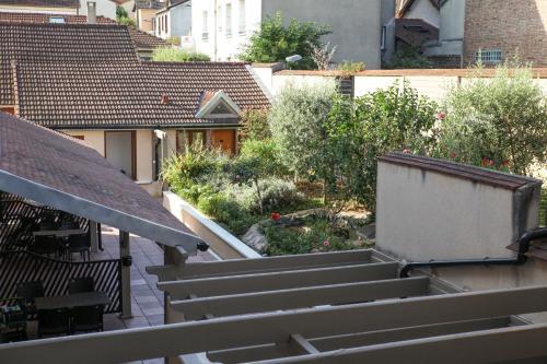 La Ferme Des Barmonts - H U00f4tel  19 Rue Ambroise Croizat 94800 Villejuif