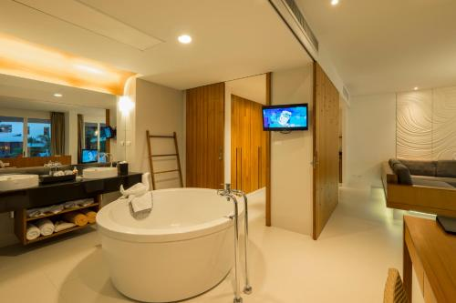 King Suite mit Spa Bad (King Suite with Spa Bath)