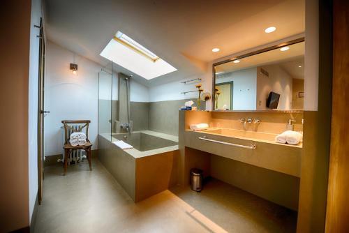 Habitación Doble - 2 camas Palacio Carvajal Girón 4
