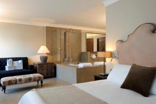 Suite Palacio Carvajal Girón 1