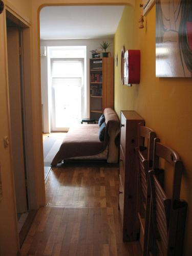 Apartment Yellow