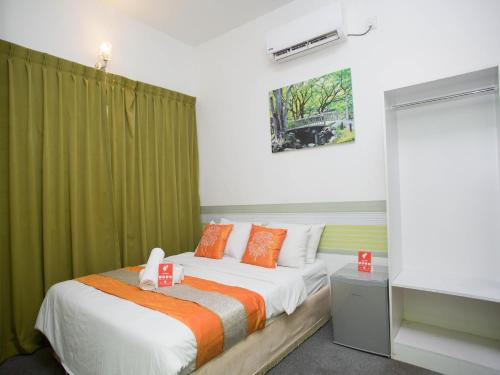 OYO Rooms Terminal Larkin