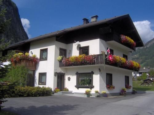 Landhaus Christoph - Apartment mit 2 Schlafzimmern mit Balkon