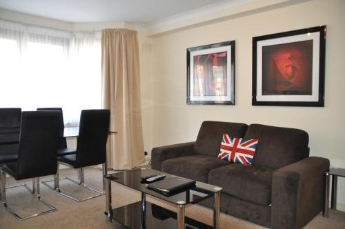 Marlyn Lodge � City of London