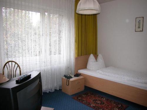 Hotel City West