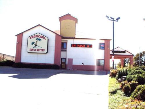 Picture of Tropicana Inn and Suites