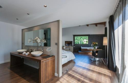 Luxury Suite with Spa Bath Bonansa Country Hotel 2