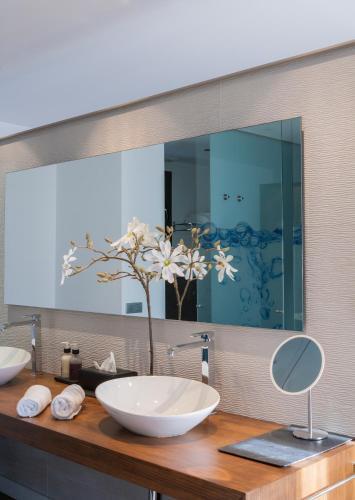 Luxury Suite with Spa Bath Bonansa Country Hotel 4
