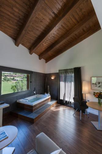 Luxury Suite with Spa Bath Bonansa Country Hotel 7