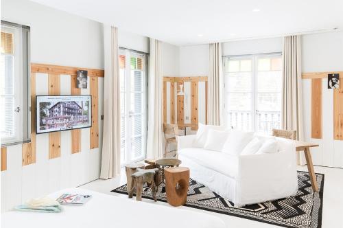 ha a tza h tel 1 avenue louis gaume 33115 la teste de. Black Bedroom Furniture Sets. Home Design Ideas