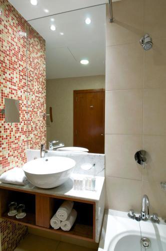 Ramada Chelsea Hotel Al Barsha photo 25
