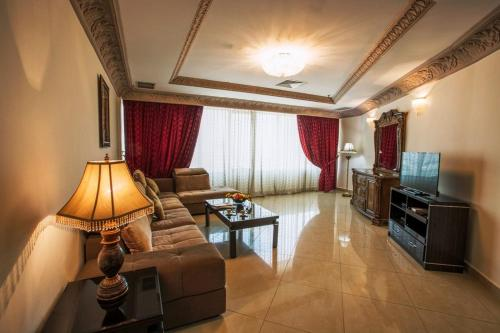 Sara Palace Apartments- family only, Koeweit