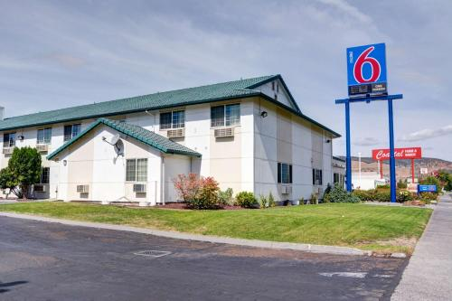 motel 6 the dalles the dalles or united states overview. Black Bedroom Furniture Sets. Home Design Ideas