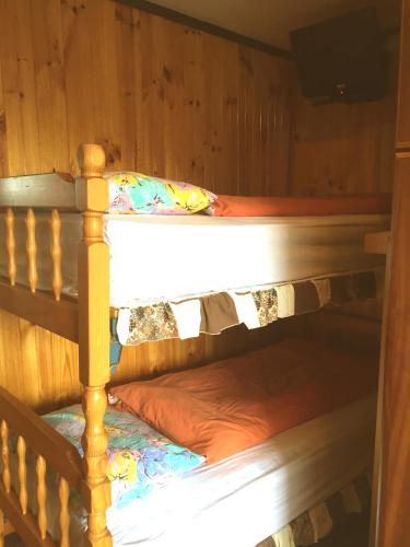Standard Twin Shared Bunk Room
