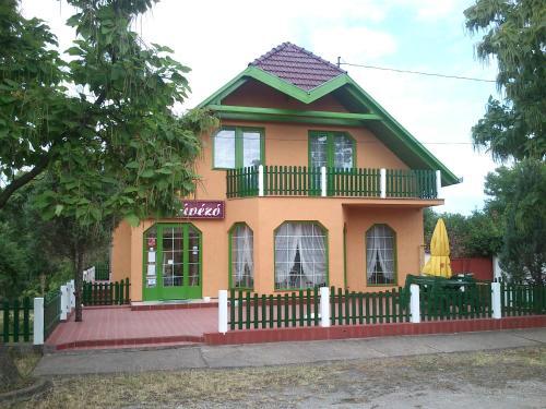 Отель Szlavi Panzió 0 звёзд Венгрия