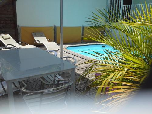 villa piscine de charme, Sainte-Anne