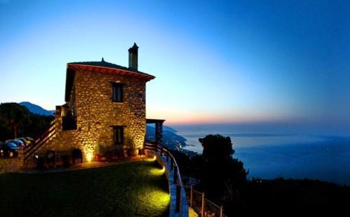 Prasino - Galazio - Mouresi Greece