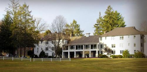 Water Gap Country Club And Resort