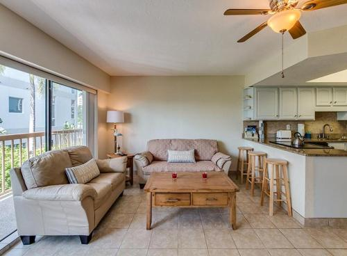 East Shore Townhome 479-2