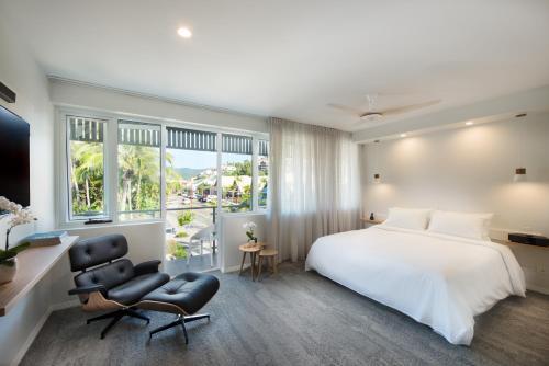 Heart Hotel & Gallery Whitsundays