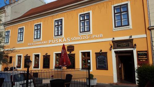 Отель Várkerület Apartment 0 звёзд Венгрия