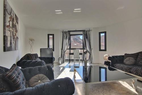 Cannes Croisette 2 Bedroom Rue d'Antibes