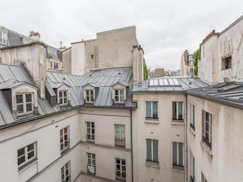 Nice Apartment for 5 Saint Sulpice Vieux Colombier