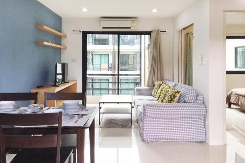 Отель Ratchaporn Place by Favstay 0 звёзд Таиланд