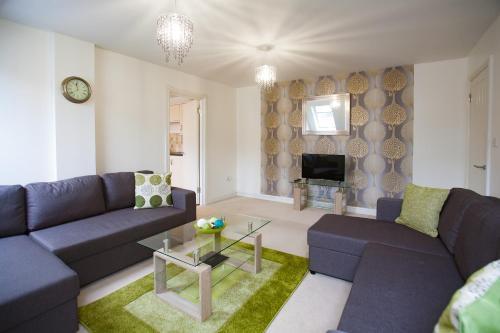 Hamilton Grace - Benedict Apartment