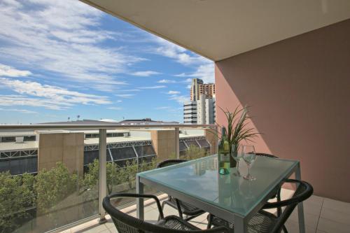 Adelaide DressCircle Apartments - North Terrace photo 16