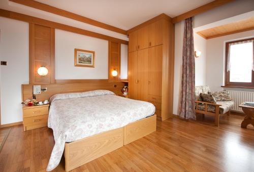 Blumen Hotel Bel Soggiorno, Malosco   RentalHomes.com