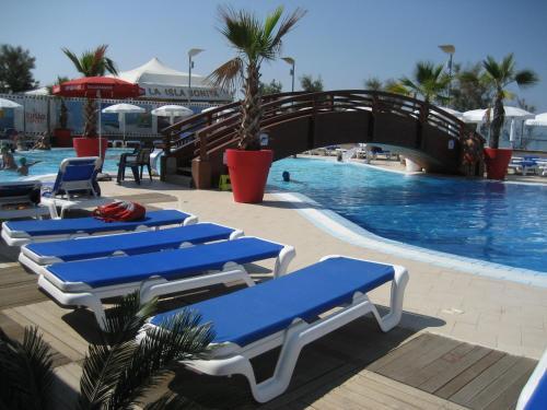 La Isla Resort