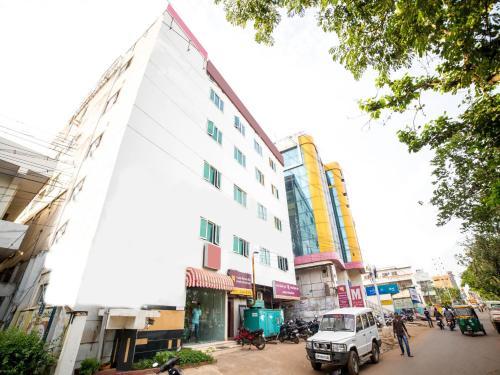 Отель OYO Rooms Mahanadu 3 0 звёзд Индия