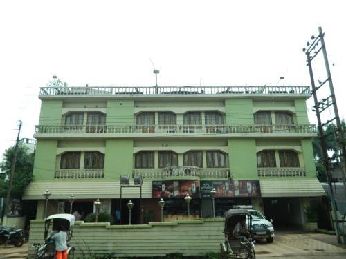 Hotel Saptarshi