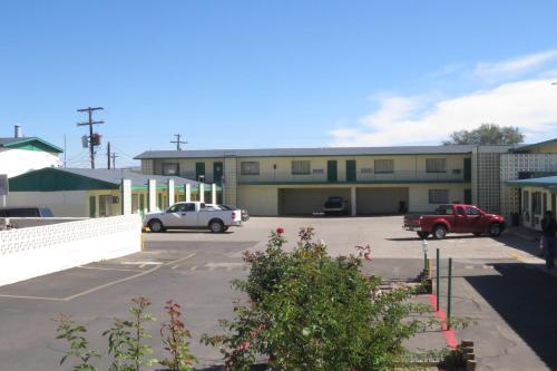 Economy Inn Hotel Socorro
