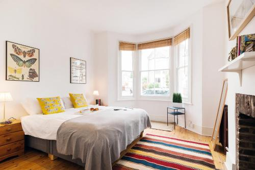 Stay at FG Apartment - Ladbroke Grove, Pember Road