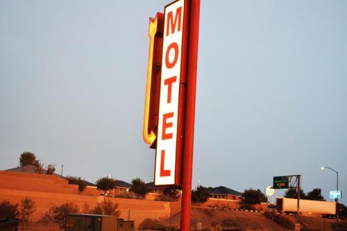 Mojave Village Motel