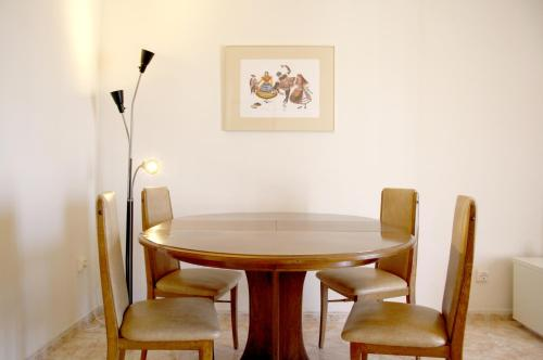 Hotel stay in a house apartamento sh05 tarragona desde for Hoteles familiares cataluna