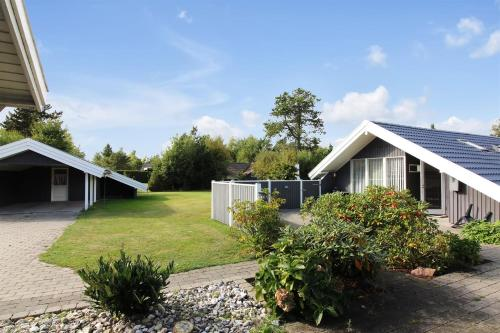 Holiday home Sølvgranvej D- 4280