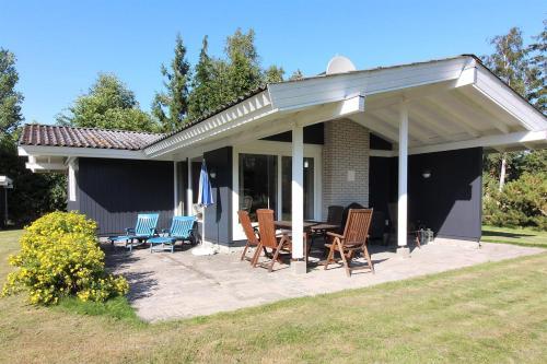 Holiday home Urhanevej H- 4980