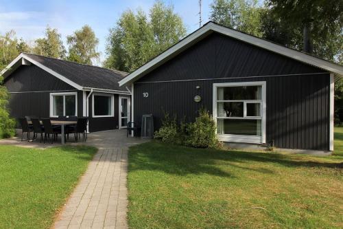 Holiday home Løvsangervej B- 2750