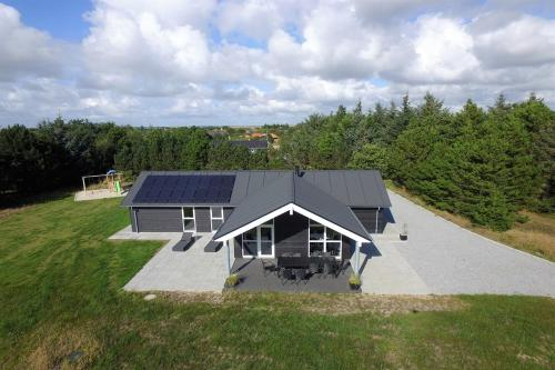 Blåvand Holiday Home 416